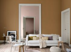 Flexa / Dulux Colour Features colour of the year 2019 Nordic Interior Design, Luxury Interior, Brown Walls, Shop Interiors, Home And Deco, Home Living, Living Room, Color Of The Year, Colorful Interiors