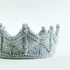 Encaje gris plata tejer caballero corona  Boy por laceandcable, $36,00