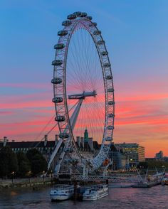 London was named the #1 destination this year according to you the travelers! Here photographer @ed_norton captured a lovely sunset at the London Eye a landmark that is a favorite among travelers all over the world. The iconic London Eye stands in my favourite area of London. The historic sights of Westminster Palace and Westminster Abbey to the ever-amazing Tate Modern and surrounding food stalls along the South Bank. Theyre all within a stones throw and you have the opportunity to take a…
