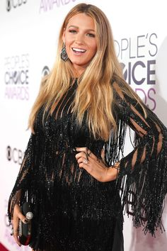 Blake Lively's Beauty Team Highlighted her '62 Inches of Leg' & More Secrets From Her People's Choice Awards Glam!