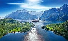 Unieke Noorse wandelcruise.    Volg de Hurtigruten van Bergen naar de Noordkaap.    Scandinavië specialist Leon Huijs ontdekt de Noorse fjordenkust vanaf het comfortabele zonnedek van een van de beroemde 'Hurtigruten'- schepen. En passant ontwerpt hij een cruisewandelreis die zijn weerga niet kent: 2465 km varen en 89 km wandelen tijdens een van de mooiste zeereizen ter wereld!    Lees meer in SNP.NL magazine 27
