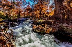 6 Texas Parks That Are Absolutely Stunning in the Fall