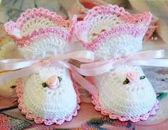 pink and white crochet baby girl booties