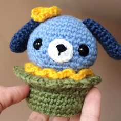 Create a super cute no-calorie amigurumi dog cupcake with our delicious crochet pattern and simple decorating tips!