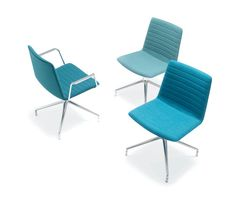 FLEX CORPORATE SO 1645 - Designer Chairs from Andreu World ✓ all information ✓ high-resolution images ✓ CADs ✓ catalogues ✓ contact information. Office Seating, Lounge Seating, Outdoor Chairs, Outdoor Furniture, Outdoor Decor, Chair Design, Furniture Design, Office Set, Sustainable Design