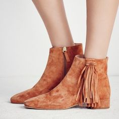 FREE PEOPLE SPRING IN PARIS BOOTS 7 Tan Suede Boho Fringe Ankle Booties Shoes 38
