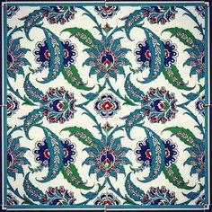 More of my repro Iznik tiles from Istanbul #ottomanart #turkishtiles #tilelove #iznik #tiles #topkapi #istanbul #surfacedesign #pattern #surfacepattern #izniktiles