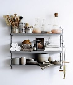 See more ideas about Shelves, Shelf inspiration and Interior. Medicine Cabinet Organization, Home Organization, Organize Medicine, Medicine Cabinets, Bathroom Inspiration, Interior Inspiration, Style Inspiration, Interior Styling, Interior Decorating