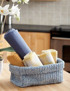 DIY: crocheted basket