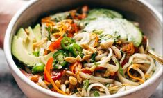 Spring Roll Bowls with Sweet Garlic Lime Sauce Recipe - Pinch of Yum High Protein Vegetarian Recipes, Easy Healthy Recipes, Asian Recipes, Easy Meals, Tofu Recipes, Simple Recipes, Keto Recipes, Chicken Recipes, Clean Eating Vegetarian