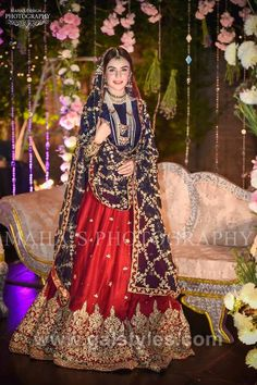 How To Look Your Best On Your Wedding Day. Photo by petramafalda On your big day, all eyes will be on you so you definitely want to look your best. If you can do your own makeup flawlessly then this Bridal Mehndi Dresses, Pakistani Wedding Outfits, Bridal Dress Design, Pakistani Bridal Dresses, Pakistani Wedding Dresses, Nikkah Dress, Pakistani Dress Design, Bridal Outfits, Pakistani Couture