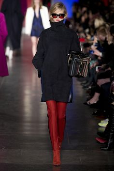 Paul Smith Parigi - Collections Fall Winter - Shows - Vogue. Paul Smith, Runway Fashion, Fashion Show, Fashion Design, London Fashion, Fashion Tape, Women's Fashion, Review Fashion, High Fashion