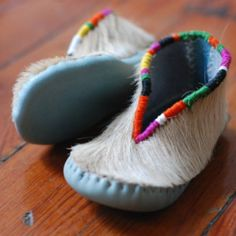 Pony Hair Moccs---links to DIYs and artisans. Good point about cultural appropriation. Cute Little Baby, Little Doll, Baby Love, Small Baby, Baby Moccasins, Pony Hair, Childrens Shoes, Kid Styles, Handmade Baby