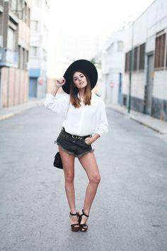 Celine Long Sleeve Sharp Collar White Shirt worn by Aida Domenech of Dulceida