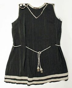Bathing suit  Date: 1920s Culture: American Medium: silk    Very chic, and so easy to make!