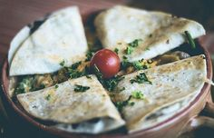 You are new quesadilla maker user. you don't know how to use quesadilla maker.in this article, we discuss quesadilla uses. Vegan Mexican Recipes, Vegetarian Recipes Easy, Healthy Recipes, Low Fodmap Vegetables, Veggies, Fresh Vegetables, Camping Food Make Ahead, Camping Meals, Eating Clean