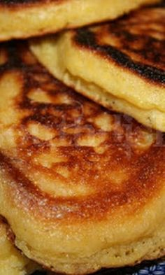 Fried Cornbread, Sweet Cornbread, Jiffy Cornbread, Breakfast Desayunos, Breakfast Recipes, Hoecake Recipe, Cornmeal Recipes, Hoe Cakes, Corned Beef Recipes