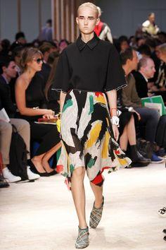Celine Parigi - Spring Summer 2014 Ready-To-Wear - Shows - Vogue. Runway Fashion, Spring Fashion, Fashion Show, Fashion Design, Paris Fashion, Women's Fashion, Celine, Valentino, 2014 Fashion Trends