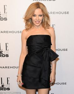 Kylie Minogue with gorgeous blonde hair/centre part at the ELLE Style Awards - February 2014 Kylie Minogue, Dannii Minogue, Demi Lovato, Melbourne, Elle Style Awards, Vogue, Female Singers, Celebs, Celebrities