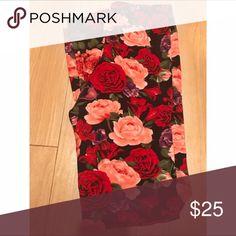 Agnes & Dora Pink Red Roses Floral Pattern S/M Never worn agnes & dora Pants Leggings