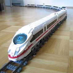 This looks way more fun than Thomas! - ICE 3 – German High Speed Passenger Train: A LEGO® creation by Holger Matthes : MOCpages.com
