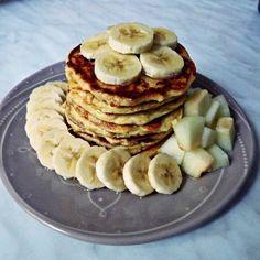 Zabpelyhes túrós puffancs (paleo változatban is! Pancakes, Paleo, Breakfast, Fitness, Food, Morning Coffee, Essen, Pancake, Beach Wrap