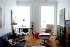 d03d22160 Real vs. Fake  The Eames Lounge Apartamento De Brooklyn