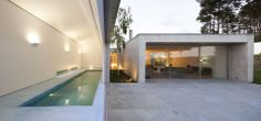 Concrete house in Portugal by architect Paula Santos