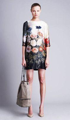 stella-mccartney-resort-2011-anemone-print-pap-dress-floral.jpg 350×600 pixels