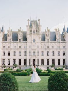 Fairytale Wedding Inspiration at Chateau Challain in France French wedding Luxury Wedding Venues, Destination Wedding Locations, French Chateau Wedding Venues, French Chateau Wedding Inspiration, Paris Wedding, French Wedding, Wedding France, Weddings In France, Perfect Wedding