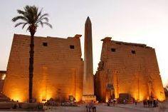 El templo de Luxor, Tour y visita a luxor por avion desde Sharm, #Sharm #Egipto #Luxor  http://www.maestroegypttours.com/sp/Excursi%C3%B3nes-en-Egipto/Sharm-El-Sheikh-Excursiones