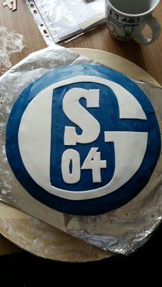 Schalke- Torte für Pommes