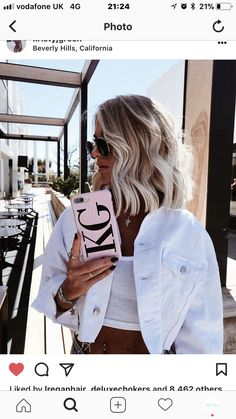 Hair colour on Kristy green by RE:NU HAIR STUDIO Blonde balayage with waved ends on a blunt bob Brown Blonde Hair, Short Blonde, Blunt Blonde Bob, Ash Blonde Balayage Short, Blunt Hair, Hair Studio, Grunge Hair, Mode Inspiration, Balayage Hair