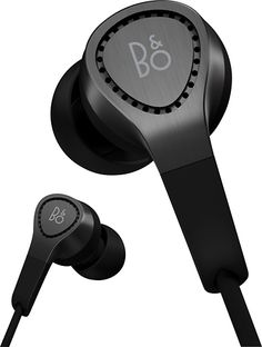 These headphones direct sound into the ear for deep bass and extended frequency response. The 4 included different-size rubber ear tips ensure a secure, comfortable fit.