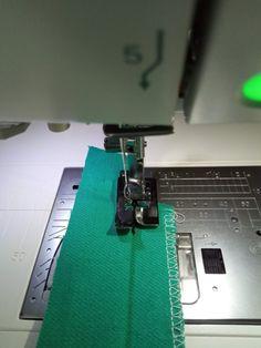 Gyorstalpaló – a varrógéptalpak használatához | Sewing, Models, Templates, Dressmaking, Couture, Stitching, Sew, Costura, Fashion Models