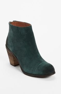 Great way to incorporate green into your fall/winter wardrobe this year. Looks comfy enough to hike across campus (minus snow). And it's currently on sale at Nordstrom! -- Vince Camuto 'Grayson' Bootie | Nordstrom