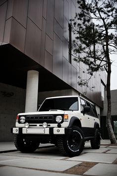 Mitsubishi Pajero -> Hyundai Galloper -> Mohenic Garages redesign - MohenicG Off-look ver. Old English White. www.the.co.kr