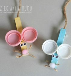 Clothespin mouse with plastic bottle cap ears - easy kids craft Fun Crafts To Do, Paper Crafts For Kids, Easy Crafts For Kids, Gifts For Kids, Art For Kids, Plastic Bottle Caps, Bottle Cap Crafts, Upcycled Crafts, Recycled Art
