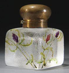 DAUM NANCY ENAMELED FRENCH CAMEO GLASS INKWELL, CIRCA 1900.