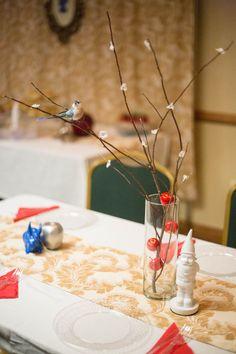 Table deco, Snow White theme Snow White Wedding, Bridal Shower, Table Decorations, Ideas, Home Decor, Shower Party, Decoration Home, Room Decor, Bridal Showers