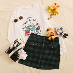 Shop Christmas & Dog Print Sweatshirt at ROMWE, discover more fashion styles online. Cute Summer Outfits, Cute Casual Outfits, Pretty Outfits, Chic Outfits, Teen Girl Outfits, Couple Outfits, Teen Fashion Outfits, Cute Vintage Outfits, Korea Fashion