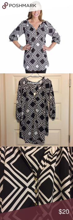 NWT women's tunic NWT black and white diamond print tunic. Super cute gold buttons on the front. Size large. Bundle 2 or more items and save 15% plus combined shipping! Mud Pie Tops Tunics