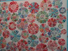 lovely pink & blue dresden plates quilt