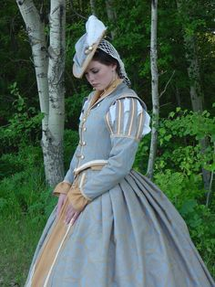 Old Fashioned Clothes : CUSTOM Tudor Court Renaissance High Collared Riding Dress Outfit Costume- 4 pieces include 2 skirts, Mode Renaissance, Costume Renaissance, Renaissance Clothing, Renaissance Fashion, Elizabethan Costume, Historical Costume, Historical Clothing, Dinastia Tudor, Tudor Costumes