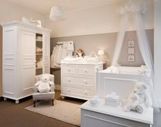 grey and white nursery how relaxing Baby Bedroom, Baby Boy Rooms, Baby Room Decor, Baby Boy Nurseries, Baby Cribs, Nursery Room, Kids Bedroom, Baby Room Design, White Nursery