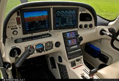 Cirrus Turbo one of the greatest planes to fly. Private Pilot, Private Plane, Private Jets, Cirrus Sr20, Aviation Insurance, Airplane Interior, Gaming Pc Build, Aircraft Interiors, Jumbo Jet