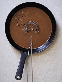 Ruskeakastike   Kastikkeet, tahnat ja marinadit   Soppa365 Iron Pan, Food, Essen, Meals, Yemek, Eten