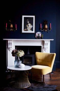What lamp for my living room? Dark Blue Living Room, New Living Room, Living Room Furniture, Living Room Decor, Dark Blue Lounge, Dark Blue Rooms, Dark Blue Walls, Navy Walls, Dark Interiors