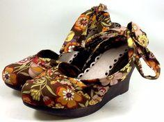 SEYCHELLES Shoes ~ Women's Brown Floral Fabric Ankle Wrap Wood Wedges ~ 10 M  #Seychelles #PlatformsWedges
