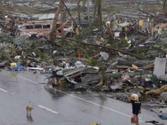 Un tifón deja 6 muertos y varias casas destruidas en Navidad